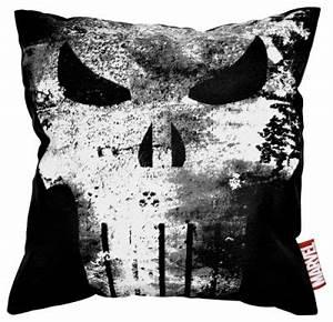 Coussin Tete De Mort : housse de coussin the punisher vintage skull logo coussins rock a gogo ~ Teatrodelosmanantiales.com Idées de Décoration
