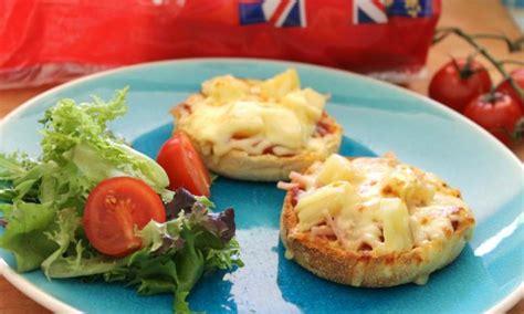 ham and pineapple pizza muffins kidspot 348 | 4085.jpg 20151124011840~q75,dx720y432u1r1gg,c