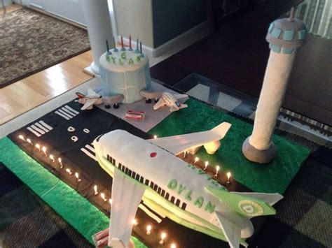 Airport Cake  Holiday & Party Ideas  Pinterest Cakes