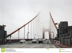 Pont De Voiture : le trafic de voiture sur le pont d 39 or dans une brume san francisco image stock ditorial ~ Nature-et-papiers.com Idées de Décoration