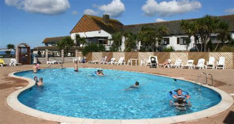 holiday park in cornwall with swimming pools
