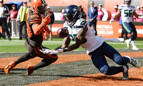 sloppy browns blow  sloppy game   seahawks