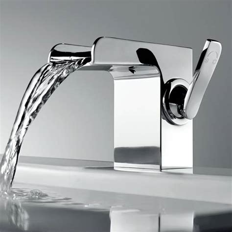 robinet mitigeur lavabo cascade