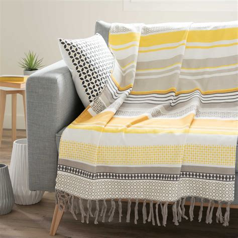 couverture de canapé jeté é en coton jaune gris 160 x 210 cm porto maisons