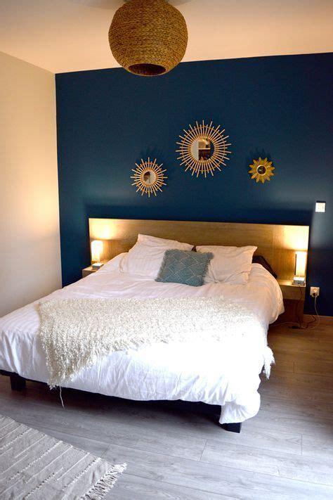 chambre parent bleu tete de lit miroir soleil accumulation miroir bois suspension osier linge de