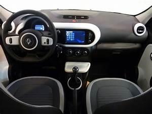 Renault Twingo Intens : voiture occasion renault twingo iii 0 9 tce 90 energy intens 2015 essence 14400 bayeux calvados ~ Medecine-chirurgie-esthetiques.com Avis de Voitures