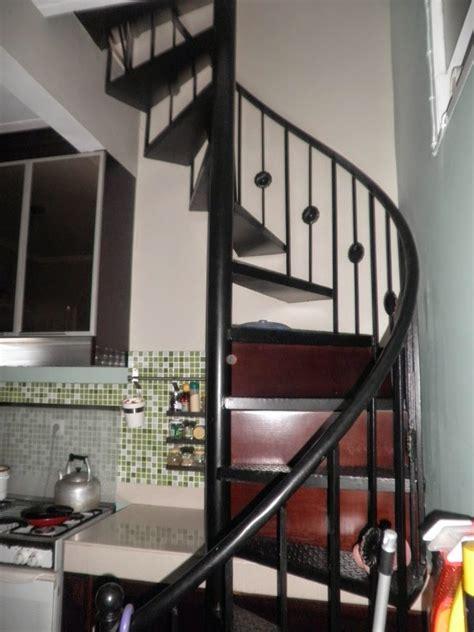 desain tangga besi desain properti indonesia