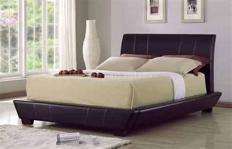Black Leatherette Modern Platform Bed W/contrasting Stitching