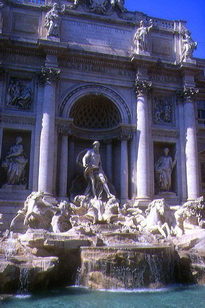 trevi fountain rome italy pictures   image
