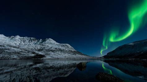 Anime Night Sky Wallpaper Noruega La Aurora Boreal Noche Lago Fondos De Pantalla Hd Fondos De Escritorio Imágenes Y