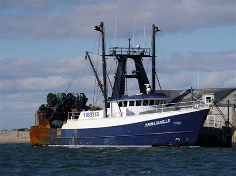 Portuguese Fishing Boat Plans by Some Montauk Commercial Fishing Vessels Catamaran Mon