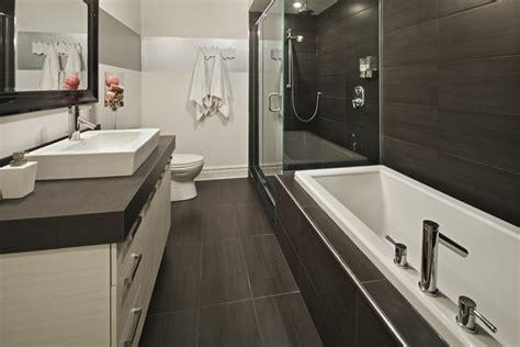 baignoire a seuil abaisse salle de bain baignoire et petit espace recherche salle de bain