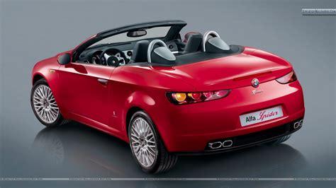 Alfa Romeo Car : Alfa Romeo Spider Open Car In Red Back Photo Wallpaper