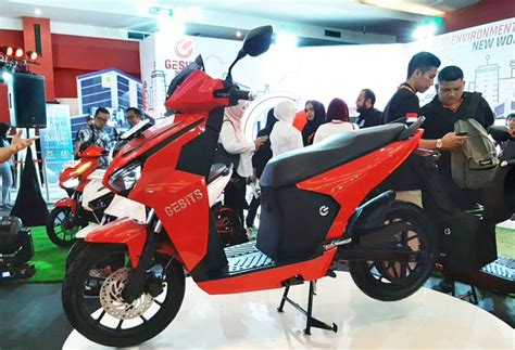 Gesits Image by Zona Transportasi Info Diam Diam Meluncur Motor Yamaha