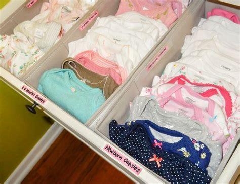 organiser chambre bébé les 25 meilleures idées concernant rangement des vêtements
