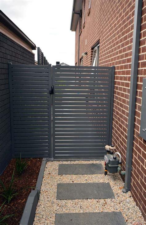 supreme green walls fencing