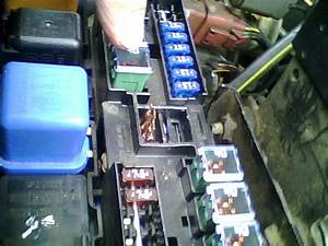 2000 Nissan Frontier  Amp  Crew Cab  Fuse Box  There Plastic Clips