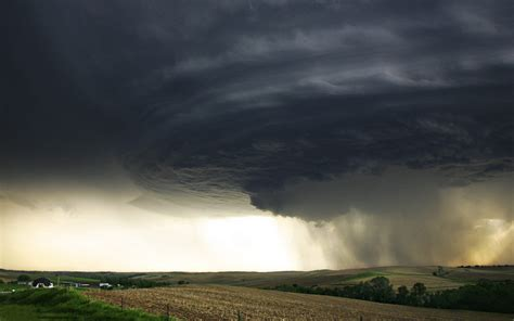 Tornado Lightning Storm Desktop Background