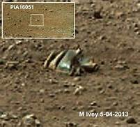 Curiosity finds Crash Engine on Mars? Th?id=OIP