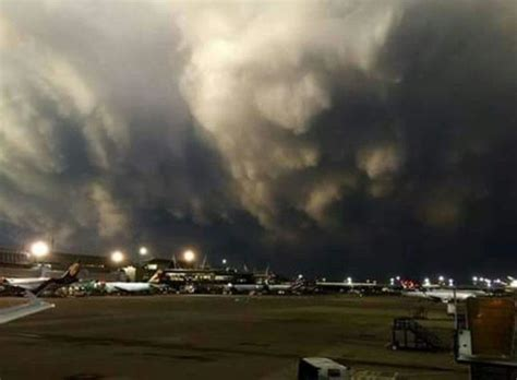 airport tambo gauteng storms storm today hit clouds december flights delayed 2nd running south sapeople taken being 17h00 fact shared