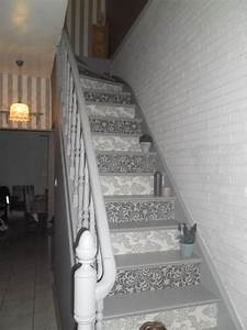 Decoration Murale Montee Escalier : peinture et papier peint escalier stairs home decor ~ Melissatoandfro.com Idées de Décoration