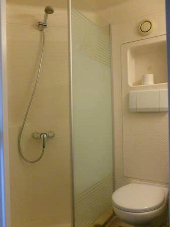 ibis budget dans la chambre salle de bain dans la chambre photo de ibis budget