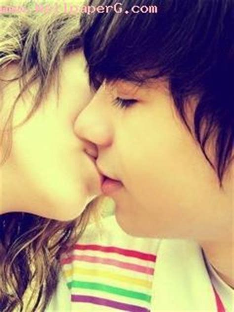 cute kiss lovers kiss day wallpapers