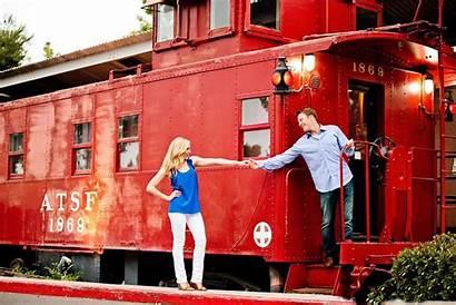 Wallpapers Couple Romantic Couples Train Juan San