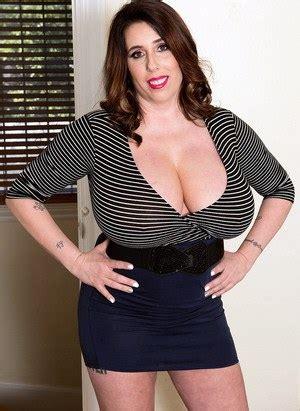 Mature Big Tits And Huge Saggy Boobs Pics