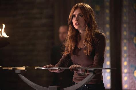shadowhunters season  episode  recap clary sentenced