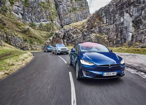 Tesla Vs by Tesla Model X Vs Audi Q7 Vs Range Rover Sport Test