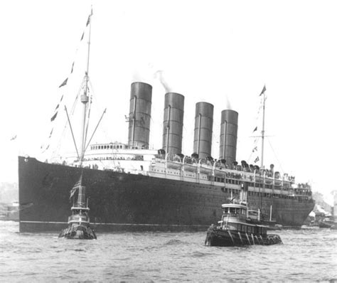 the sinking of the lusitania a summary history in an