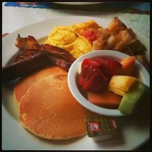 Typical american breakfast #food #yummie | Breakfast ...