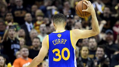 stephen curry ejected  nba finals game  pegs fan