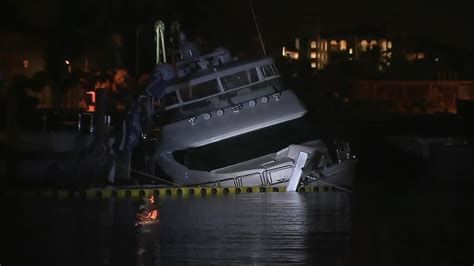 Boat Crash Miami by Stolen Yacht Crashes Sinks In Miami Marina
