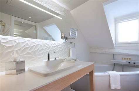 r 233 ussir une salle de bains blanche