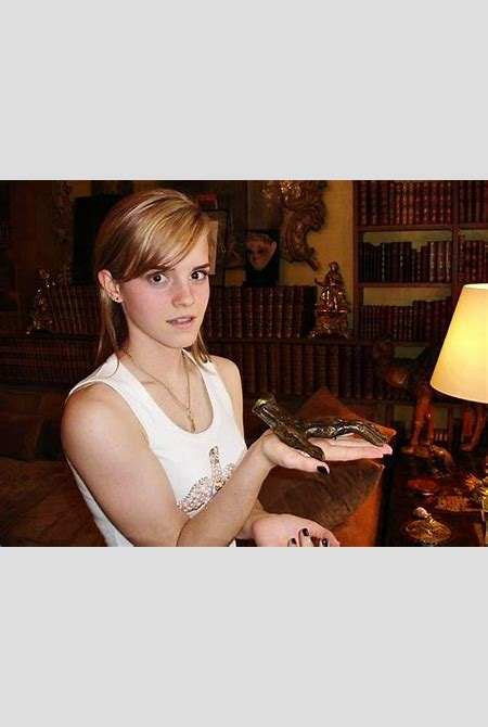 Photo Collection Emma Watson Rare Pictures