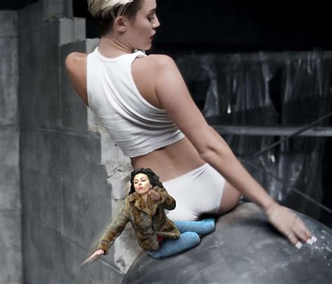 Scarlett Johansson Falling Down Meme - image 675304 scarlett johansson falling down know your meme