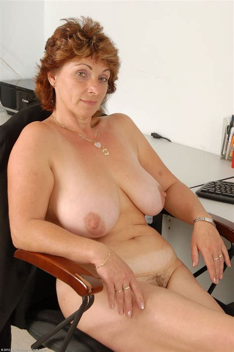 Misti - busty Milf (age 42) likes to be naked in the office - Por