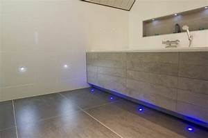 Led Beleuchtung Badezimmer : led bodeneinbaustrahler moderne ideen ~ Markanthonyermac.com Haus und Dekorationen