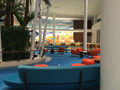 cabana bay two bedroom suite drinks at the swizzle lounge in the lobby picture of