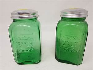 Green, Salt, And, Pepper, Shakers