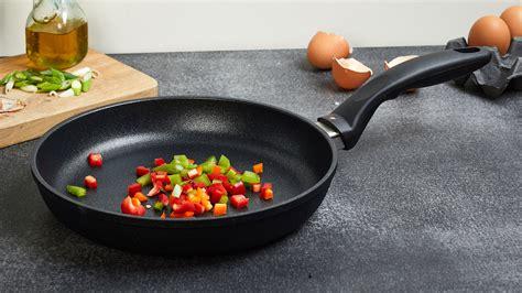 swiss diamond xd nonstick induction cookware set  piece cutlery