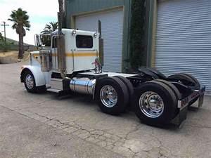 Peterbilt 379  1990    Daycab Semi Trucks
