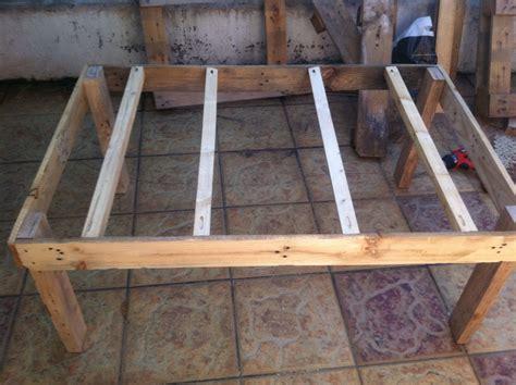 fabriquer un canapé en bois que fabriquer avec des palettes en bois stunning