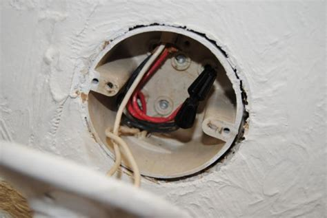 grounding a ceiling fan no ground wires doityourself com community forums