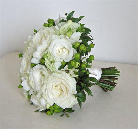 wedding flowers blog hollys classic green  white