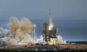SpaceX launches rocket from NASA's historic 'moon pad ...