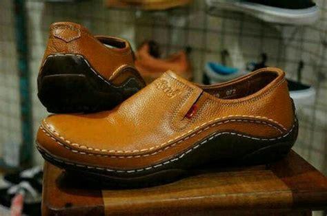 jual unik sepatu casual pantofel kickers pria kulit asli