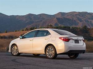 2017 Toyota Corolla LE Eco (Super White) - Rear Three ...